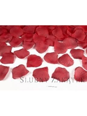 Patki róż, czerwone