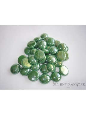 Kamienie opalizujące, zielony las