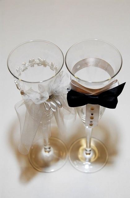 Kieliszki na weselny stół