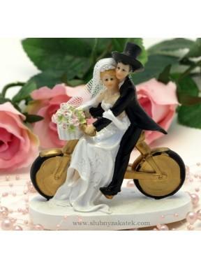 FIGURKA NA TORT Młodzi na rowerze