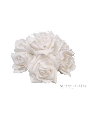 Bukiet róz z perełkami biały