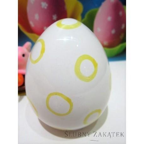 Białe jajko ceramiczne