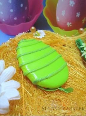 Zielone jajko do zawieszenia