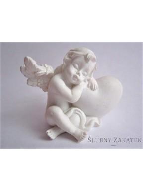 Aniołek z serduszkiem białym