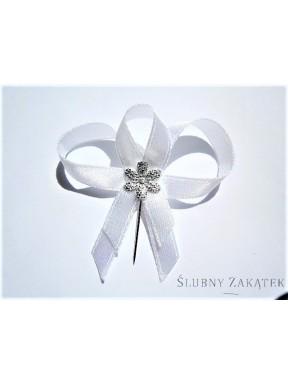Kotyliony - przypinki dla gości 50 szt, białe, srebrny kwiat